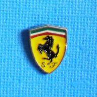 1 PIN'S //  ** LOGO / FERRARI S-F / SCUDERIA FERRARI ** - Ferrari