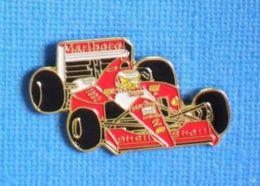 1 PIN'S //  ** FORMULE 1 / FERRARI 641 / PILOTE ALAIN PROST / 1992 ** . (G.L) - Ferrari