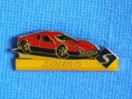1 PIN'S //  ** MINIARURE SOLIDO / FERRARI ** - Ferrari