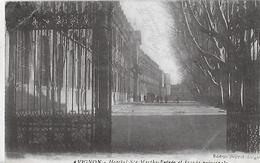 Avignon; La Grille Et La Facade Principale De L'hopital Sainte Marthe. - Avignon