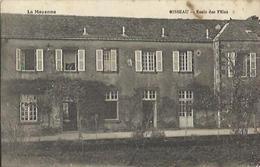 9393 CPA Oisseau - Ecole Des Filles - Autres Communes