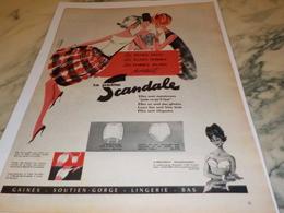 ANCIENNE PUBLICITE JEUNE FILLE ET FEMME GAINE SCANDALE  1960 - Affiches