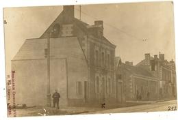 Carte Photo  -  A Identifier   Photographe  Du Maine Et Loire  16 - A Identifier