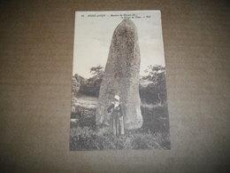 Carte Postale - Pont-Aven - Menhir De Hénan : Le Doigt De Dieu - Pont Aven
