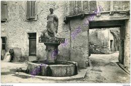 84. LA BASTIDE DES JOURDANS . Fontaine De La Jeanne . - France