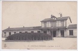 02 CHATEAU THIERRY La Gare ,pli - Chateau Thierry