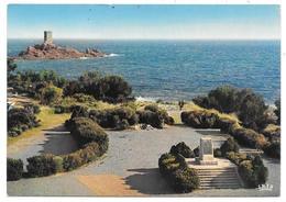 83 - Le Dramont - L'Ile D'Or Et Le Monument Commémoratif Du Débarquement Du 15 Août 1944 - 1974 -  Ed. La Cigogne - Saint-Raphaël