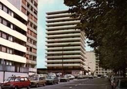CPM - SARCELLES - BOULEVARD Albert CAMUS ... (Immeubles Voitures) - Edition Lyna - Sarcelles