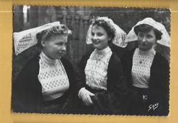C.P.M. Costumes Bretons - Coiffe Des Côtes-du-Nord - Costumes