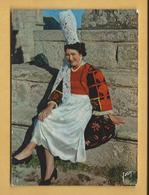 C.P.M. Costume Et Coiffe Bigouden - Pont L'Abbé - Bretagne - Costumes