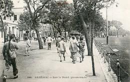 Sanghaï - Sur Le Bund (promenade) - Chine