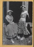 C.P.M.  Costumes Bretons - Vannes - Etel - Costumes