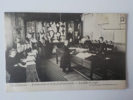 1908 CP Animée Quatrecht Pensionnat Et Ecole Professionnelle Salle De Coupe écolières Wetteren - Wetteren