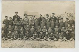 BERCK PLAGE - Belle Carte Photo Jeunes Garçons Avec Accompagnateurs Sur La Plage En 1926 - Berck