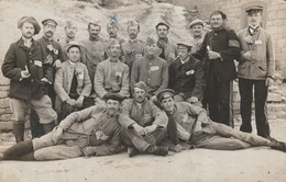 Carte-photo De Prisonniers De Guerre Français -camp De Tauberbischchofseim - Baden Pour A. Vuillet à St. Laurent (Jura). - Guerre 1914-18