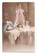 Jolies Fillettes Dans Leur Lit Et Poupée Dans Son Berceau, 1921, éd. ZED N° 643 - Portraits