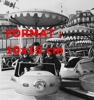Reproduction D'une Photographie Ancienne D'un Manège De La Foire Du Trône à Paris En 1961 - Repro's