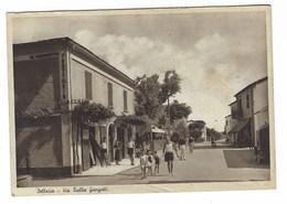 4009 - BELLARIA VIA TULLIO GIORGETTI ANIMATA RIMINI 1950 CIRCA - Italia