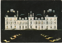 CHEVERNY   -   LA FACADE ILLUMINEE DU CHATEAU.  -   Editeur : VALOIRE  N° H.1.916 - Cheverny