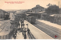 93 .n°  107985  . Rosny Sous Bois Neuilly Plaisance .train . La Gare .vue Generale . - Sonstige Gemeinden