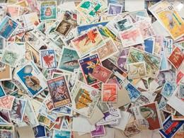LOT N° E188 Un Lot De Plus De 2000 Timbres Du Monde - Collezioni (senza Album)