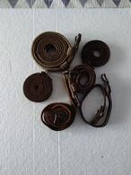 Six Sangles En Cuir - Origine Française - Ww2. - Equipment