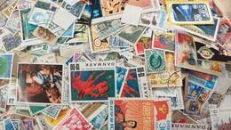 LOT N° E192 Un Lot De Plus De 2000 Timbres Du Monde - Collezioni (senza Album)