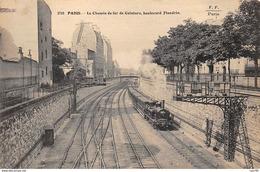 75016 .n° 108822 . Paris . Train .le Chemin De Fer De Ceinture .vue D Ensemble . - Métro Parisien, Gares