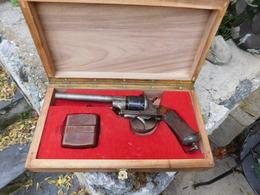 Le Révolver Lefaucheux A En Coffret Avec Cartouchiere - Armas De Colección