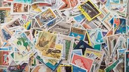LOT N° E194 Un Lot De Plus De 2000 Timbres Du Monde - Collezioni (senza Album)