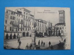 BASSANO, PIAZZA VITTORIO EMANUELE II ANIMATA VIAGGIATA - Italia