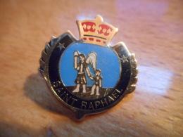 A048 -- Pin's Blason Saint Raphael - Villes