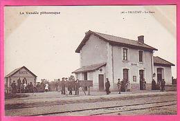 PALLUAU LA GARE BUVETTE SNCF  CP NEUVE ET ANIMEE - - Other Municipalities