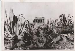 II° Guerra Mondiale -  Agrigento - Soldati Tedeschi  In Un Momento Di Riposo  - - Guerra 1939-45