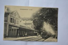 FOURCHAMBAULT-la Gare-train En Beau Plan - Frankrijk