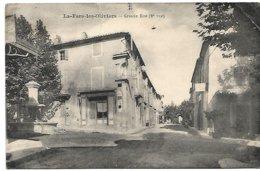 L130A_27 - La-Fare-les-Oliviers - Grande Rue (2e Vue) - Francia