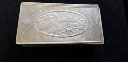 Boite Alluminium Souvenir Exposition Universelle 1937 PARIS Tour Eiffel Pavillon Allemagne Urss ... Maquette J MAKOWSKY - Boîtes/Coffrets