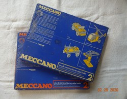 LOT DE 2 BOÎTES MECCANO N° 2. UNE JAUNE, L' AUTRE ORANGE. + 2 CATALOGUES COMPLETS EXCELLENT ETAT. ( Voir Photos ). - Meccano