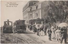 ROTHENEUF - Descente Du Tram Devant L'Hôtel Terminus C. Fauvel Propriétaires. Personnages. Carte Non Courante Et Animée. - Rotheneuf