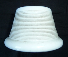 Ancien Pyrogène Porcelaine Blanc Porte Allumette 19eme Siecle - Pyrogènes
