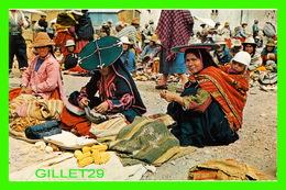 CUZCO, PÉROU - MERCADO DOMINICAL - COLORFUL SUNDAY MARKET - ANIMATED - 1980 - - Pérou