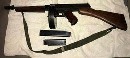 PISTOLET MITRAILLEUR THOMPSON M1 US WW2 DEMILITARISE - Armas De Colección