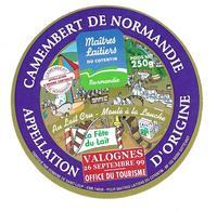 ETIQUETTE De FROMAGE..CAMEMBERT De NORMANDIE..Fabriqué Domaine SAINT LOUP (14)..Fête Du Lait à VALOGNES 1999..2 Scancs - Cheese