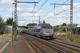 Montmoreau-Saint-Cybard (16 - France)  28 Août 2009 - Un TGV PSE Assurant  Une Circulation Lille/Bordeaux - France