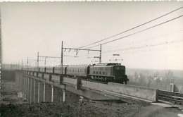 280220 TRANSPORT TRAIN CHEMIN DE FER - PHOTO BREHERET 1957 - 28 MAINTENON Pont Viaduc - Maintenon