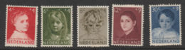 Nederland 1957 NVPH Nr. 702-706 MLH  Kinderzegels - 1949-1980 (Juliana)