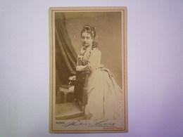 2020 - 4397  PHOTO PORTRAIT  Format Carte De Visite :  Photographe Heinr. GRAF  BERLIN    XXX - Ancianas (antes De 1900)