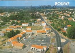 Lot 2 CP 2 Bouaye Vue Générale Aérienne Du Bourg La Place Des Echoppes Nouveau Centre Commercial   44 Loire Atlantique - Bouaye