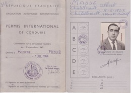PERMIS INTERNATIONAL DE CONDUIRE - RF CIRCULATION ROUTIERE  AUTOMOBILE - TIMBRE FISCAL 2 F 1964 1966 68 ET 71 - Historische Dokumente