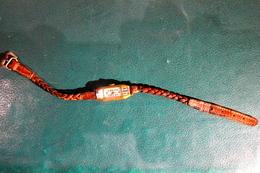Petite Montre Bracelet Pour Collection - Horloge: Juwelen